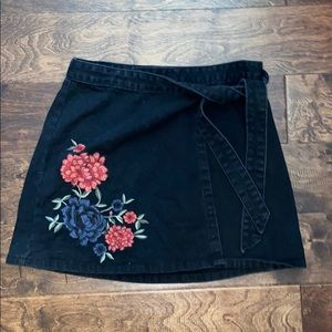 Boutique floral embroidered wrap-skirt